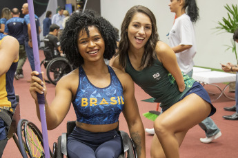 After the emotions and joys that the Lima 2019 Pan American Games gave us, it will now be the turn for the Parapan American Games, which will take place in Peru from August 22 to September 1. In the photo, swimmer Maria Dayanne Silva in a photographic production for the launch of the new uniforms of the Brazilian Paralympic Committee, days after the start of the competitions.