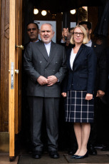 Iran's Foreign Minister, Javad Zarif, and Anniken Huitfeldt President of the Committee on Foreign Affairs and Defense on the stairs of the Norwegian Parliament.