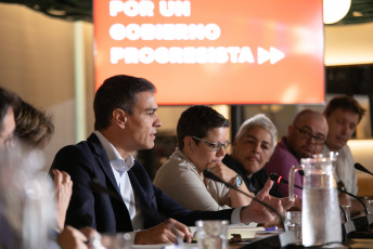 In the images taken today, Tuesday, August 27, 2017, the President of the Spanish Government Pedro Sánchez meets with about thirty LGBT organizations in Madrid, together with the Vice President of the Government, Carmen Calvo, who addressed the main challenges of the group, among which LGTB Equality law is included. The Spanish opposition redoubled today its pressure on the president of the government who will be forced to attend a parliamentary debate while the political blockade that threatens to lead Spain to new elections persists if the socialist leader does not obtain the necessary support, according to agency information Spanish EFE.