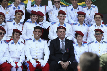 Last week, Bolsonaro had already declared in a speech to the cadets of the Military Academy das Agulhas Negras (Aman) that