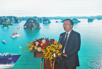 Photo: The Director General of Customs of Vietnam, Nguyen Van Can, addresses the meeting.