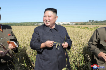 NORTH KOREA.- The image, released on October 9, 2019 by the North Korean Central News Agency (KCNA), shows the chairman of the North Korean State Affairs Committee , Kim Jong-un, inspecting Farm Number 1,116, of Unit 810 of the North Korean People's Army. The visit was Kim's first public appearance after the collapse of nuclear dialogues at the level of work with the United States in Sweden.