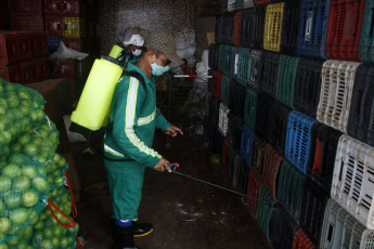 MANAOS, BRAZIL- Health members carry out disinfection tasks in the main markets, as a preventive measure against the spread of the coronavirus in Manaus, Brazil on April 8, 2020. In a new balance, Brazil arrived on Wednesday (8) at 800 dead from the Covid-19 coronavirus pandemic, after adding 133 in the last hours.
