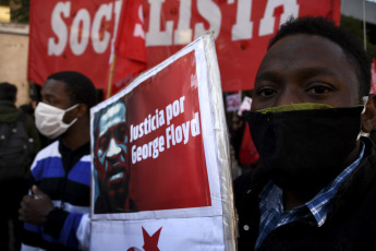 BUENOS AIRES, ARGENTINA- Social organizations protest the murder of George Floyd at the Obelisk in Buenos Aires, Argentina on June 2, 2020. The protest is held in demand of justice for the murder of George Floyd at the hands of a policeman in Minnesota , in addition to all the victims of police violence and in support of the struggle of the American people.